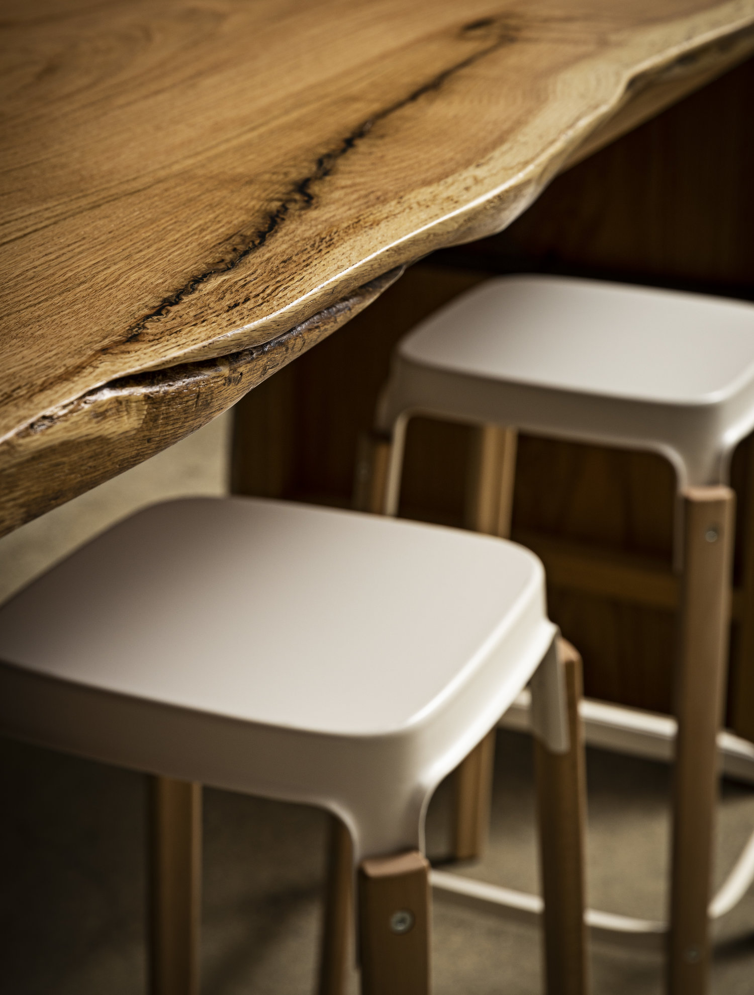 Ana Bar Table